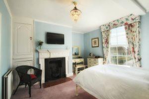 Bedroom2-4-300x200